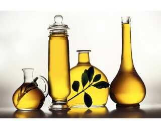 Livingwalls Fototapete «Oil Bottles» 036650