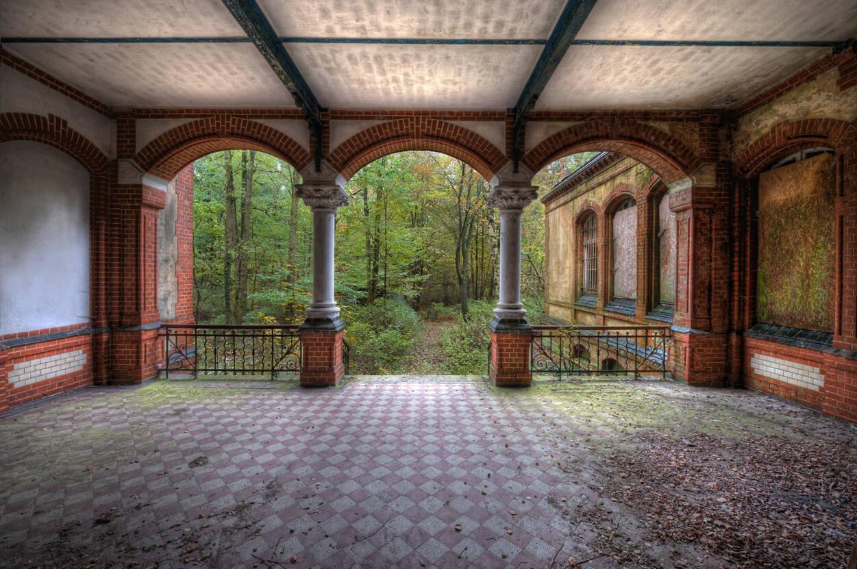 Livingwalls Fototapete «Vintage Villa Tarrace» 036010