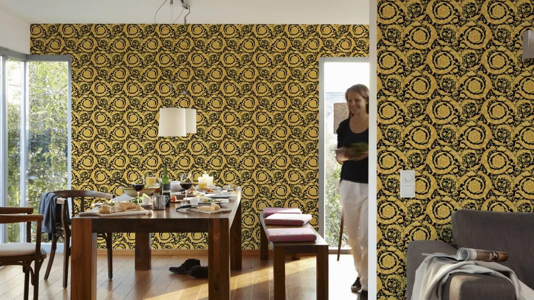 Versace Home Wallpaper 935834